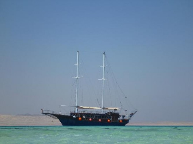 RAS MOHAMMED BY BOAT