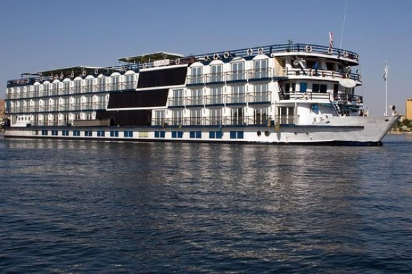 Cairo and Nile Cruise Tours by flight
