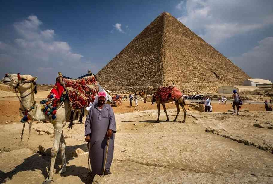SPECIAL TOUR TO THE PYRAMIDS